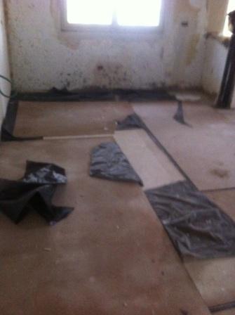 התקנת הקרמיקה ברצפת הדירה