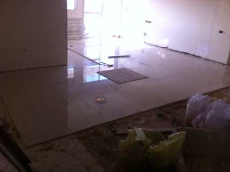 התקנת רצפה בדירה
